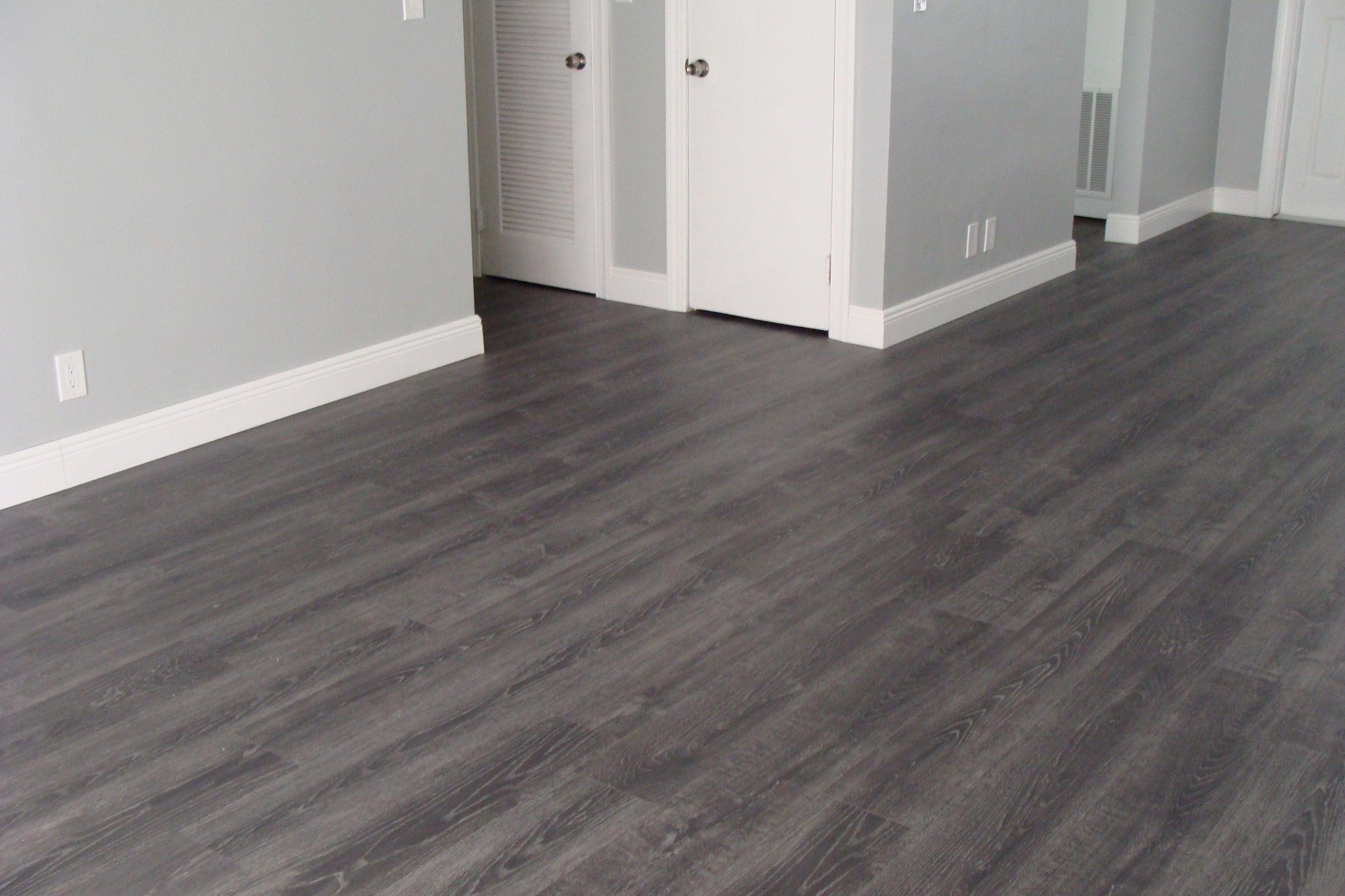 modern laminate flooring tokyo oak grey laminate (all rooms, minus the bathroom[s]). HKWUUAP